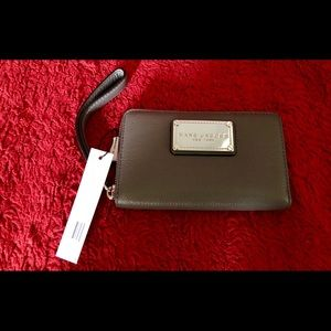 NEW Marc by Marc Jacobs Classic Leather Zip Wallet